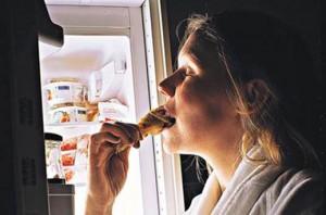 Еда на ночь – вред или миф?